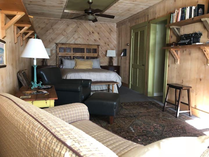Cozy Magnolia Grove Apartment