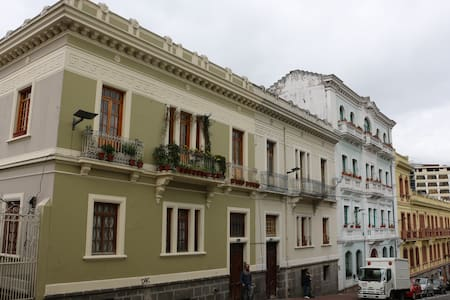 Appart. Historical Center - Art - - Quito