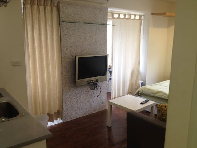 Tonghua Vacation Studio C near MRT & Taipei 101