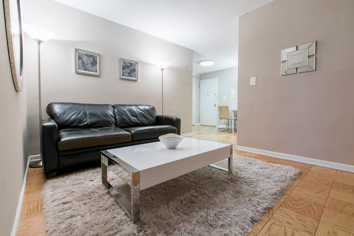 Cozy 1 bed Close to Park UES