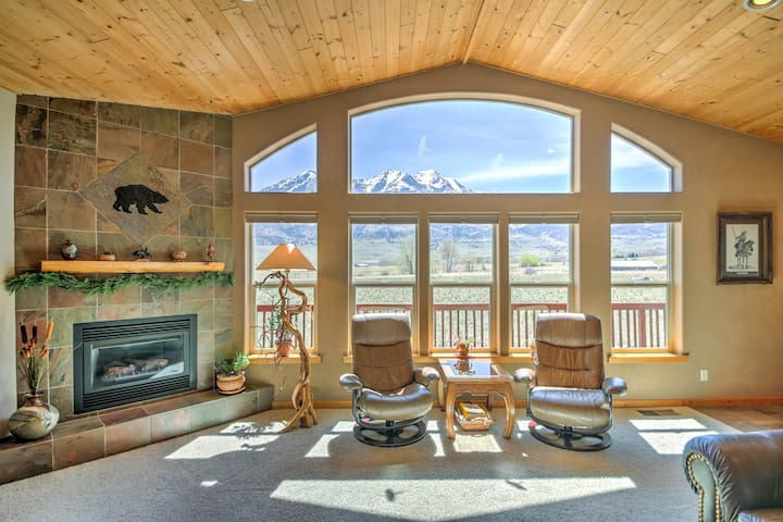 Paradise Vista - Spacious, Quiet, Mountain Views!