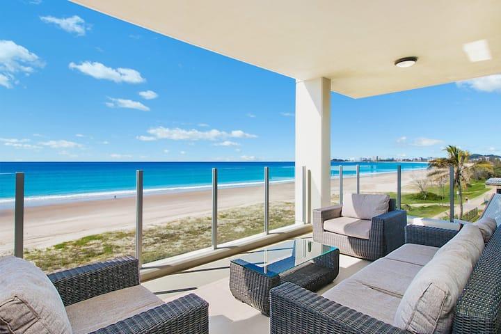 Azure 4 - Absolute Beachfront