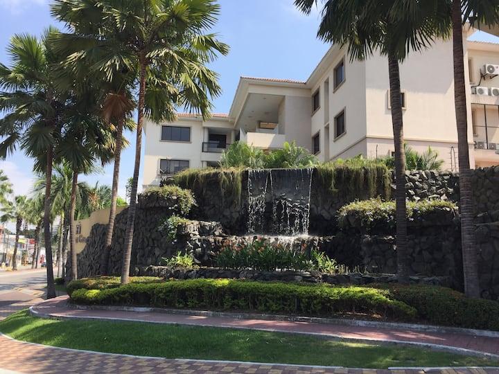 Ciudad Colon Gquil. Hermoso Dept + parqueo privado