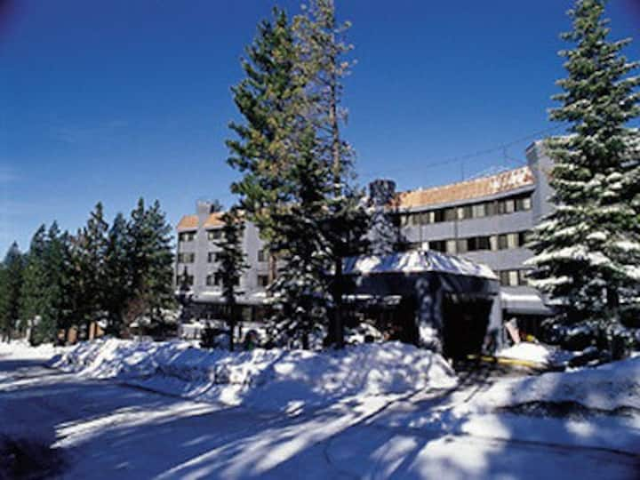 Walk to Ski/Board, Nice Condo, Heavenly Resort