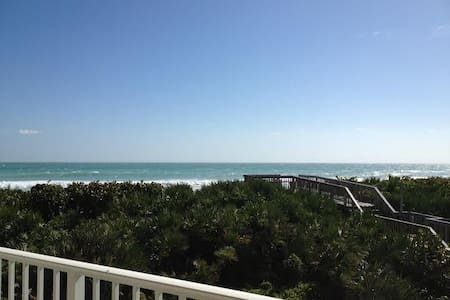 Oceanfront on Hutchinson Island next to Marriott - Stuart - Appartement