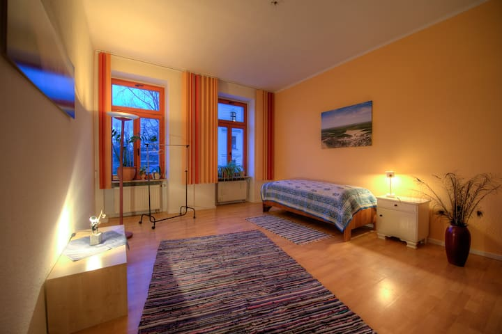 Sonnige Wohnung in Parknähe - Leipzig - Leilighet