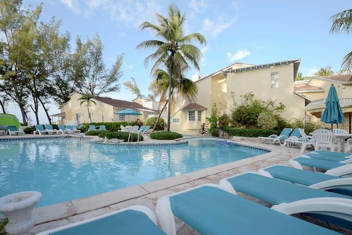 Sunrise Beach Villa|Paradise Island
