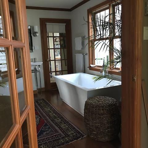 Coastal Shores Guest Suite
