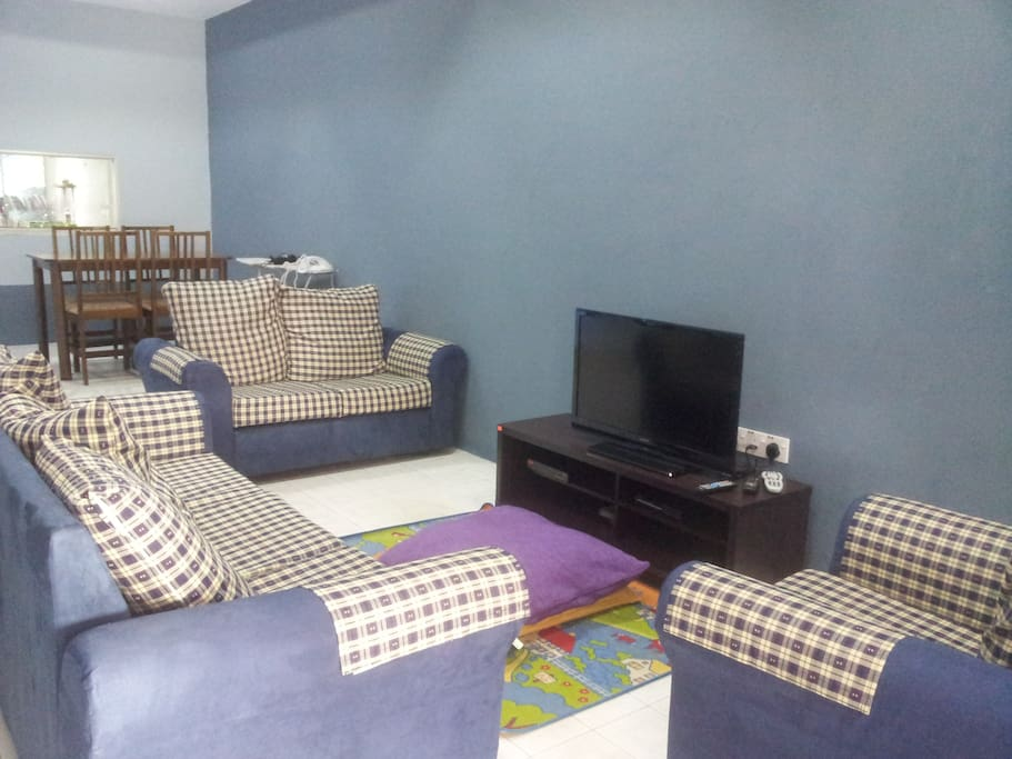 Spacious living room with satellite channel, dvd player
