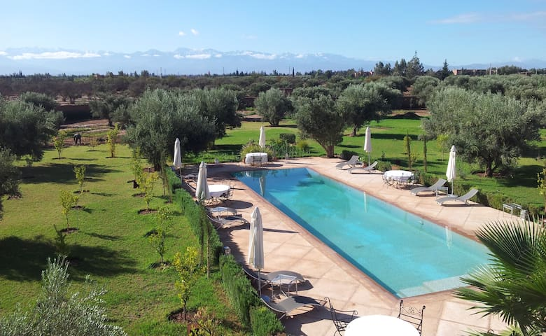 VILLA EN EXCLUSIVITE A 5' GOLFS - Marrakech - Hus