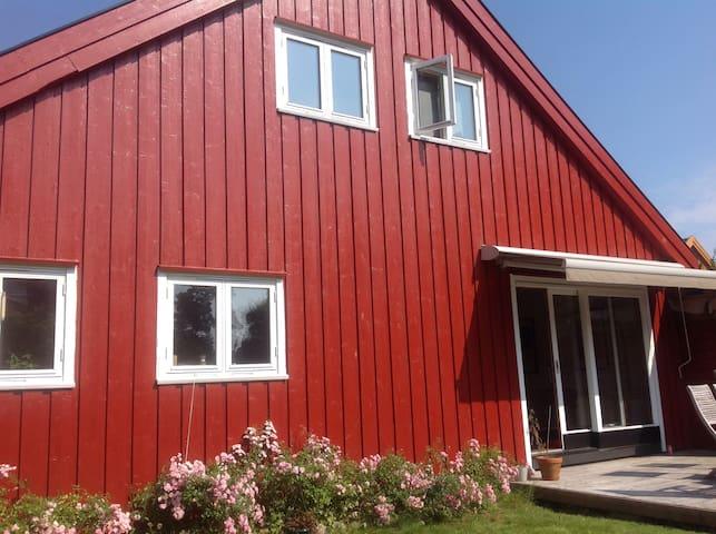 Fint enkelt hus - Arendal - Ev