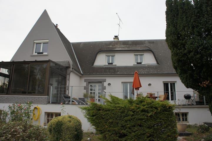 maison avec piscine rennes bretagne - Noyal-Châtillon-sur-Seiche - Huis