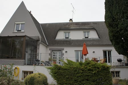 maison avec piscine rennes bretagne - Noyal-Châtillon-sur-Seiche - 独立屋