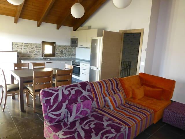 Casa rural de 2 habitaciones  - JACA - Haus