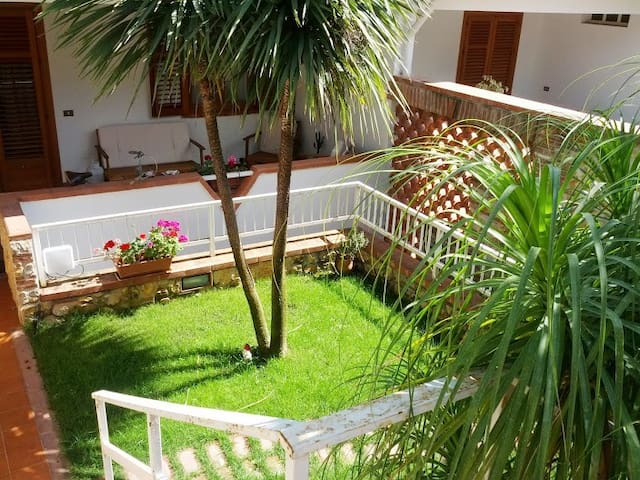 Quiet Apartment Close to the Beach - Palermo - Huoneisto