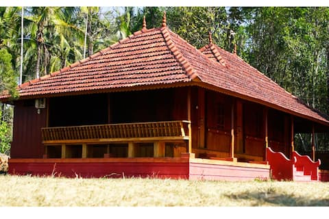 HoneyDew Resort, The woody home, Pulpally, Wayanad