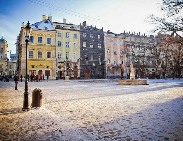 Rynok Square Apartment in the Heart of Old Lviv