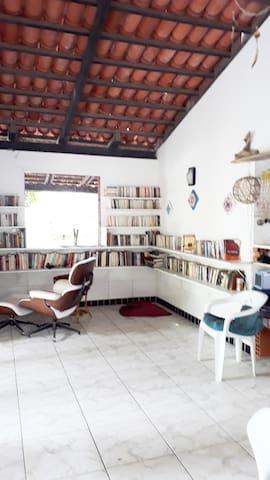Ilha de Itaparica: suíte em casa de artista