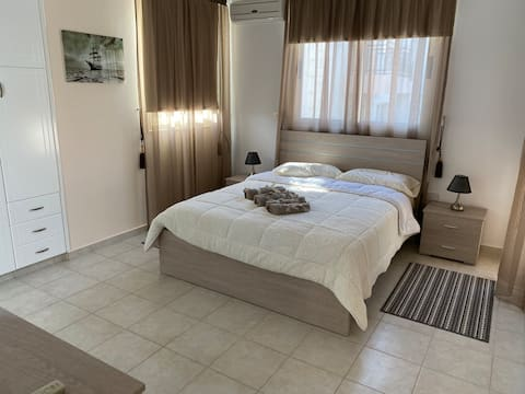 ROYAL SEACREST HOLIDAY ACCOMMODATION  PAPHOS