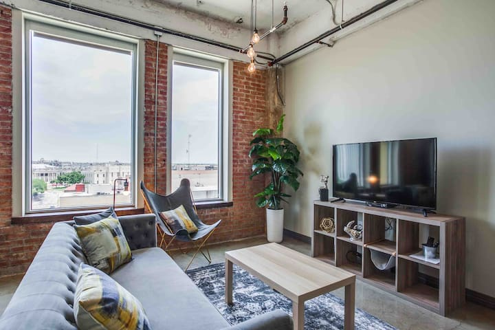 Magnificent Downtown Smart Loft