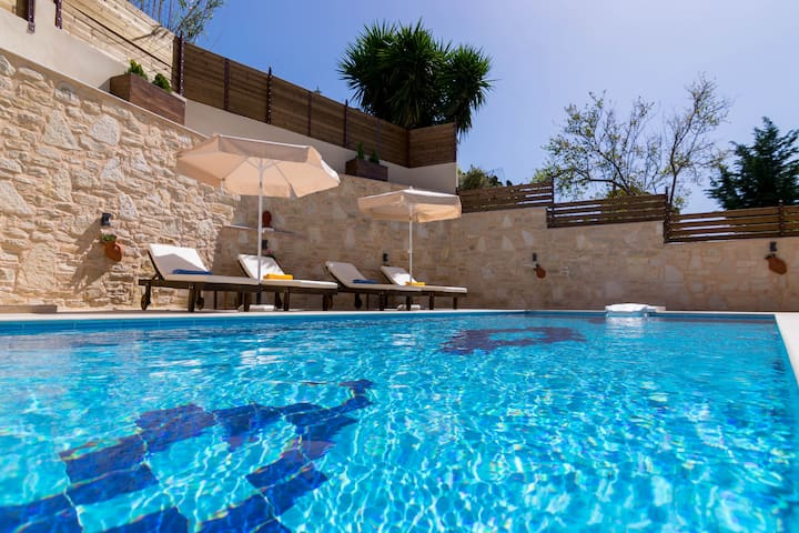 Great views,Private & Kids pool,Local tavern - Rethimnon - Villa