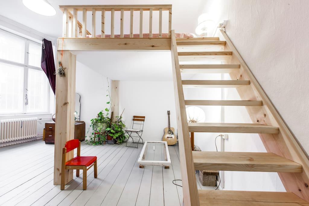 large bright room mezzanine neukoln apartments for rent in berlin berlin germany. Black Bedroom Furniture Sets. Home Design Ideas