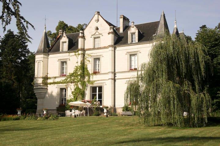 Château de Mont-Félix near Loches