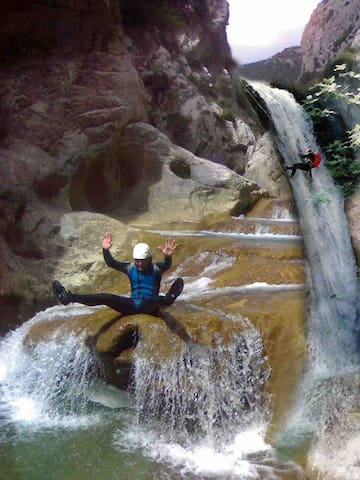 Water sports in the Gorges de Galamus