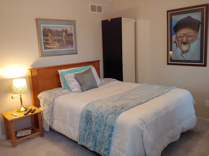 Cozy Queen Room Monthly rental Feb-April 32% off