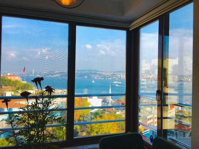 "Panoramic Seaview ""Pi(π) House Bosphorus"" Cihangir"