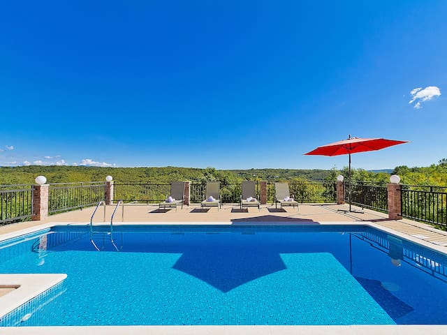 Alenka luxury panoramic pool villa