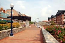 Historic downtown Frederick! 15min away