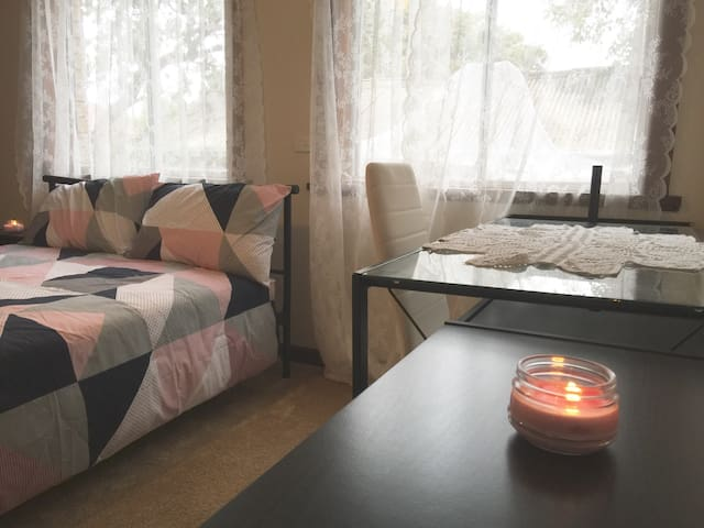 Very Private Room with Ensuite - Putney - Talo