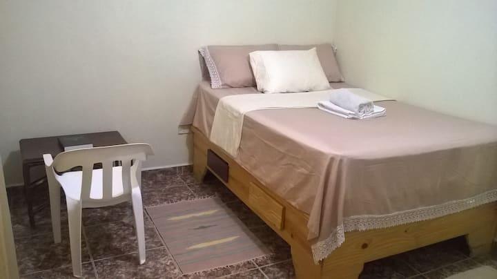 Las Galeras Island Hostel:Priv Room w/Shared Bath