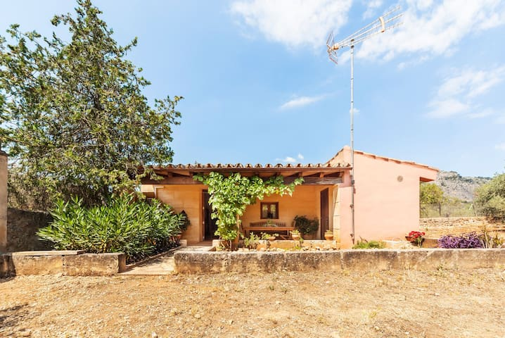 Apartment in the mountains perfect for Tramontana cyclists and excusionists
