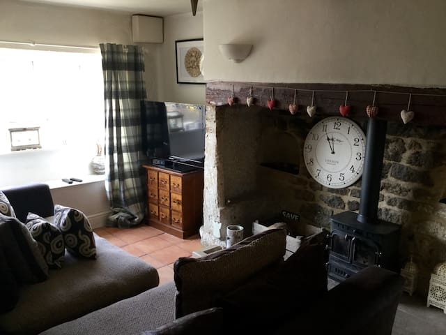 Beautiful cottage in the heart of the Cotswolds - Minchinhampton - Huis