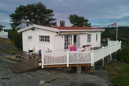Solfylt, familievennlig hytte. - Fredrikstad - Cottage