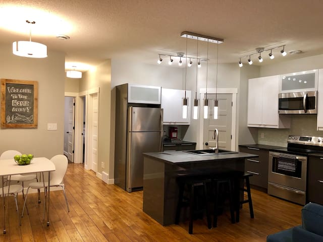 Modern Bright 2 BR Self Contained Suite HOME AWAY!