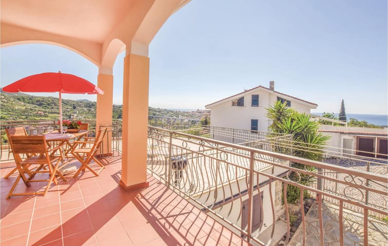 Semi-Detached with 1 bedroom on 60m² in Imperia -IM-