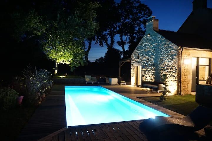 Ferme rénovée piscine chauffée privée