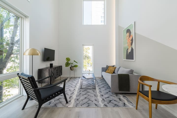 Abode | XS House | Bright and Airy 1-Bedroom