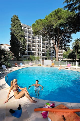 Apartment Resideal Premium Cannes for 4 persons