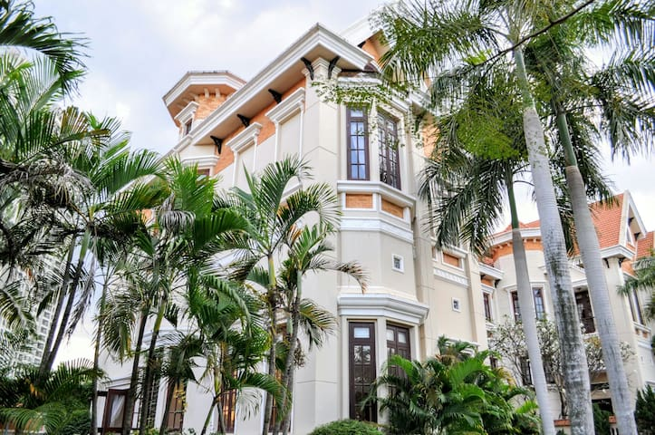 #Charming Villa in Saigon#5 suites#Good Lacation - Ho Chi Minh City - Villa