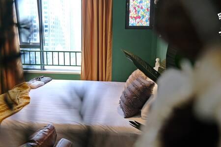 晚舟·小野民宿|轻奢复古大床房|ins风|市中心|金华万达广场|古子城|含免费旗袍送专业摄影