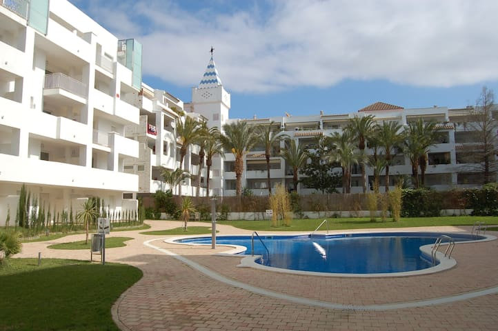 Nice and modern apartment in Marine Sta. Margarida / Roses, 1,6 km from the beach and 800