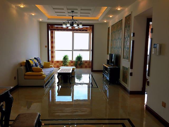 南湖豪华观景房两室可做饭停车方便13315599118