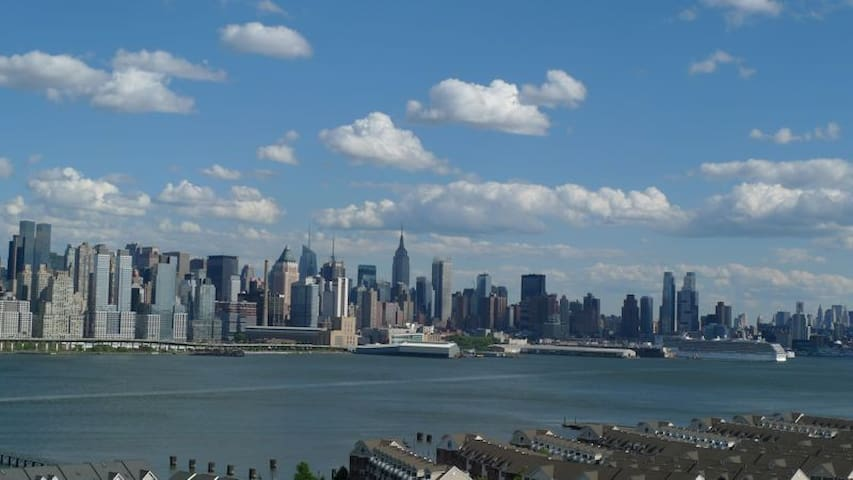 Luxury Bldg with Manhattan view/ - Guttenberg - Leilighet