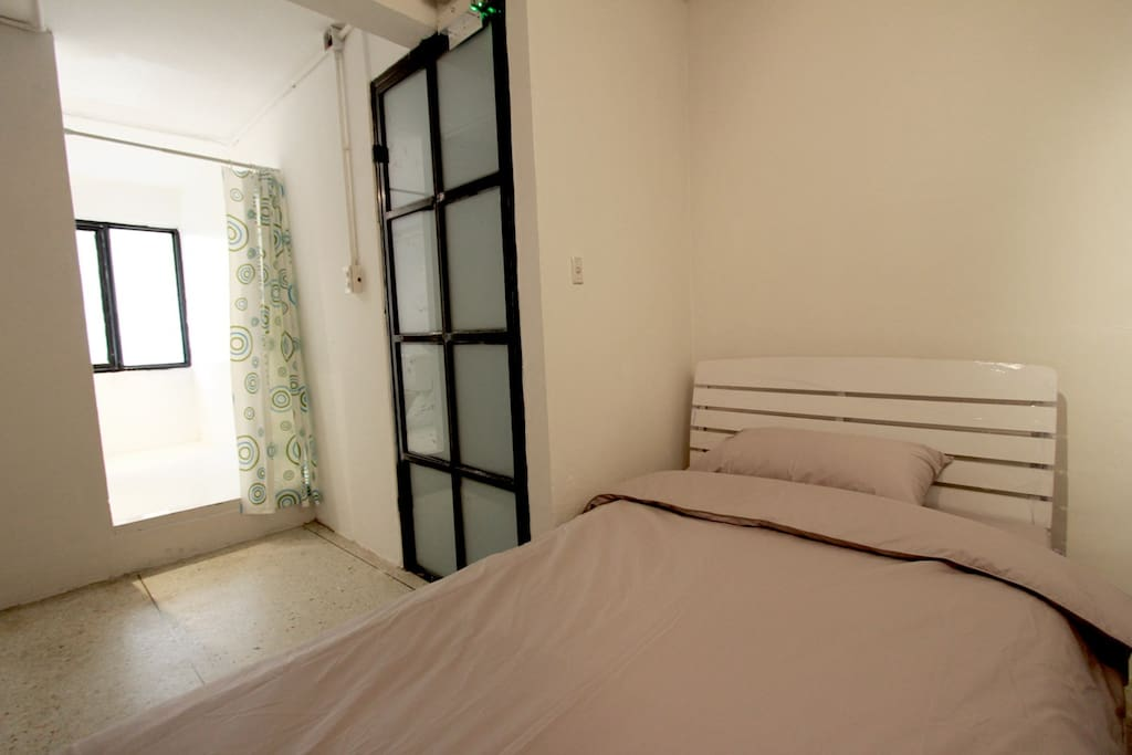 Single Room With Private Bathroom Apartments For Rent In Bangkok Bangkok Thailand