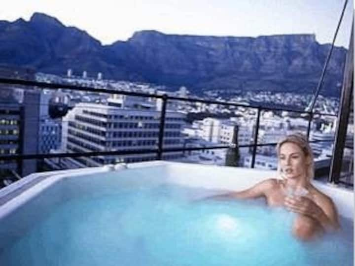 Cape Town  Manhattan Penthouse open air Jacuzzi