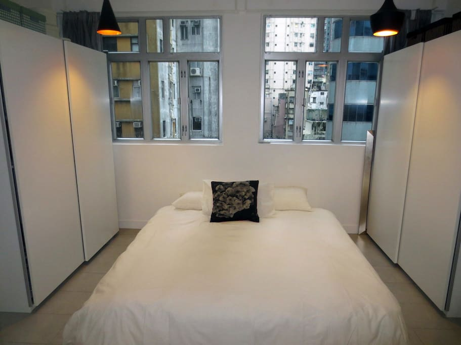 The World's most comfortable King size mattress awaits.